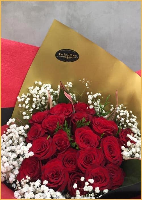 elegant red roses valentines day